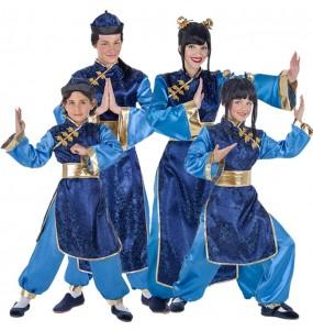 Grupo de Chinos Elegantes