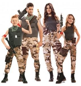 Grupo de Soldados Camuflaje