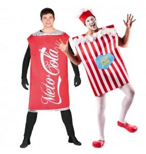 Pareja Refresco Cola y Palomitas