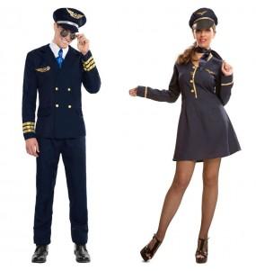 Pareja Piloto de Avión y Azafata adulto
