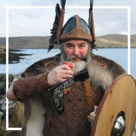 Compra online los disfraces de vikingos más originales de Carnaval