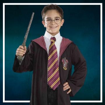 Compra online los disfraces para convertirte en el mago Harry Potter