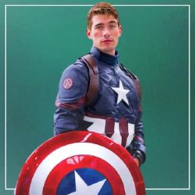 Compra online los disfraces de superhéroes para hombres más originales