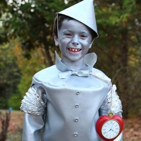 Compra online los disfraces más originales de Mago de Oz y sus personajes