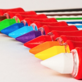 Maquillaje en barras de todos los colores