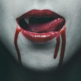Sangre artificial para caracterización halloween