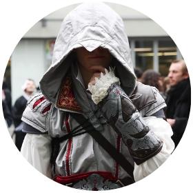 Compra online los disfraces más originales de Assassin's Creed y sus personajes